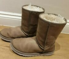 Ugg Classic  Short  Leather  Boots  Size 5.5