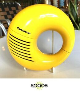 CLEAN VINTAGE PANASONIC 1969 TOOT-A-LOOP AM RADIO R72 - TESTED - FREE SHIPPING -