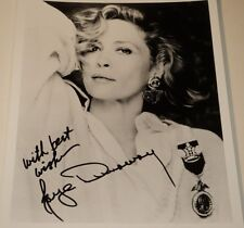 FAYE DUNAWAY /  STRIKING  8 X 10  B&W  AUTOGRAPHED  PHOTO