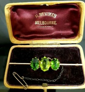 VICTORIAN 15ct Gold ANTIQUE Brooch Quality Set Green Hand Faceted PERIDOT BOX