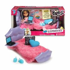 New Bratz Sleepover Bed Playset w/ Laptop Slippers Blankets & Pillows Official