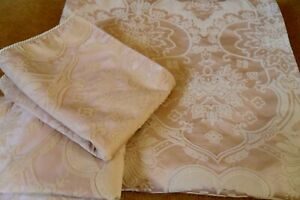 BEAUTIFUL DESIGNER JAQUARD KING SIZE DUVET COVER SET BY WATERS & NOBLE GORGEOUS