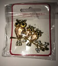 Johnny Loves Rosie Brooch, Gold Owl