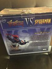 Sideshow Spider-Man Vs Venom Diorama Statue Marvel