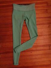 LULULEMON fitness running leggings women's size 6 deep green & teal reversal