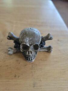 """Vintage Skull & Crossbones Head Small Figurine. 2"""" × 2"""""""