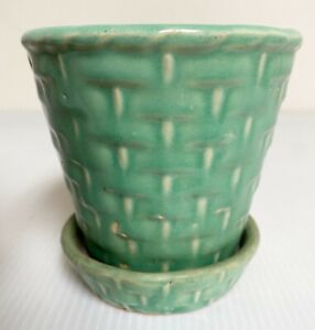 """Vintage McCoy Pottery Green Basket Weave 4.5"""" Flower Pot w/ Attached Saucer"""
