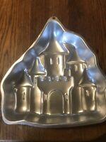 Wilton Enchanted Cinderella Castle Cake Pan 2105-2031 1998