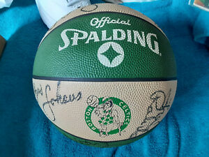 Boston Celtics autographed Basketball 15 sigs, Larry Bird, McHale, Parrish, JSA