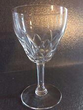 6 verres à vin Modèle MONTANA taillé en cristal. H: 124 mm Val Saint Lambert