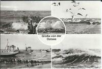 Ansichtskarte Grüße von der Ostsee mit Wellengang, Möwen und Booten am Strand sw