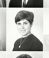 JULIE KAVNER JOANNA GLEASON Senior LARAINE NEWMAN   High School Yearbook