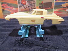 motorific slot car body IDEAL CHEVY CORVETTE cream Toy body only