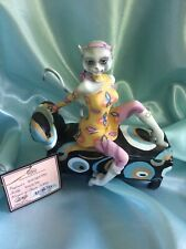 "Alley Cats Figurine by Margaret Le Van ~ ""Go Go� Secret Agent Feline"