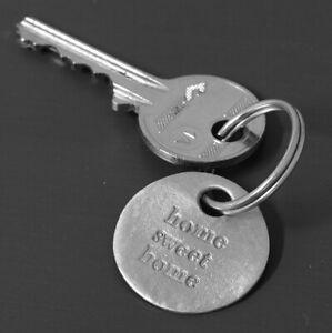 Kutuu Pewter Charm Keyring - Home Sweet Home