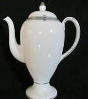 WEDGWOOD AMHERST LARGE COFFEE POT PLATINUM TRIM FINE BONE CHINA ENGLAND