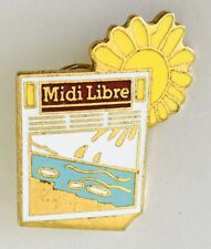 Midi Libre Free Lunch Magazine Paper Advertising Pin Badge Vintage (D11)