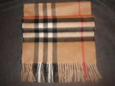 Burberry CLASSIC CHECK Cashmere Scarf. Unisex.