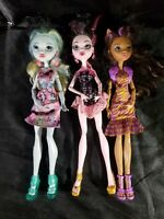 Monster High doll lot used Draculaura and friends. Fast Shipping