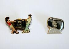 PINS OLYMPUS - ENSEMBLE de 2 PIN'S -COULEUR PHOTOGRAPHIE - NEUF - APPAREIL PHOTO