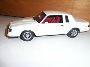 Danbury Mint NO GMP 1987 Buick Regal Turbo T  LE White 1/24 scale diecast RARE!