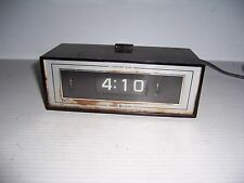 Vintage General Electric GE Model 8142-4 Lighted  Flip Alarm Clock Retro