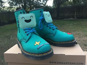NIB Dr. Martens Adventure Time Castel 8 Eye Boot BMO Turquoise T Canvas R2116844