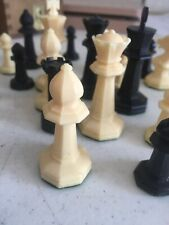 ONE Vtg Drueke Weighted Chess Replacement Piece Octagonal Felted (no Queens)