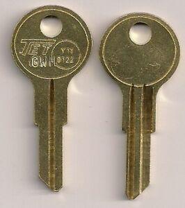 key 7NX O1122 Y11 Kaiser Frazer 1946-48  Rio Mack Cord  Indian M/C Willys Knight