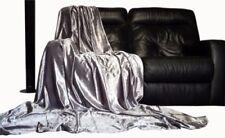Plaids, dessus et jetés gris pour la décoration du salon