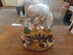 Gradeur Noel Collectible Musical Water Globe-O' Little Town of Bethlehem #2884