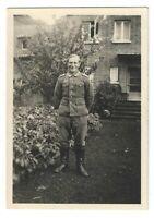 Foto, Soldat in Uniform, Hauseingang