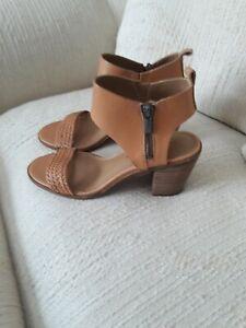 Lucky Brand Leather Sandal Sz 7.5