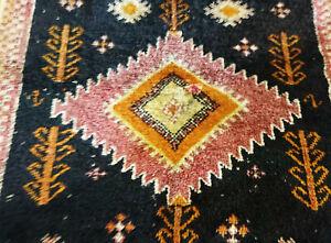 Moroccan Vintage Rug Boujaad Berber Geometric Medallion Boujad Wool Natural Dyes