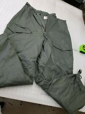 US Air Force Extreme Cold Weather Military Insulated Trousers - size Medium