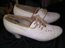 Vintage 1920's 30's White Suede Lace Top Shoes by Fashion Tred Size 5