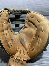 Easton GS20W Genuine Series Catchers Glove Right-Handed Thrower Fastpitch