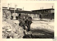 19788/ Originalfoto 7x10cm, Soldaten beim Schneeschippen, Kaserne Solingen