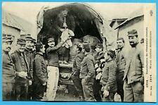 CPA: 1914 - Distribution de vêtements chauds / Guerre 14-18