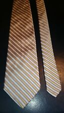 Brooks Brothers Men's Vintage Silk Tie in a Gold White and Blue Stripe