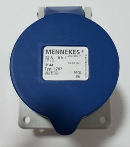 Mennekes IP44 Blue Panel Mount 2P+E Industrial Power Socket, Rated At 32A, 230V