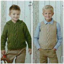 Knitting pattern per bambini Cavo Felpa Con Cappuccio & Maglione Senza Maniche Aran King Cole 4435