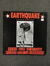 Earthquake Sound System Assis Sur Le Rythm Poses Sur La Version LP Import France