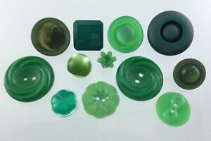 Vintage Molded Plastic Lot Of Green Garment Button 1.1in Relief Pattern 781C