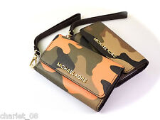 MICHAEL KORS  PHON WRISTLET FOR IPHON 5 DUFFLE/POPPY  CAMOUFLAGE