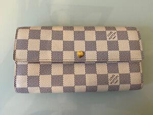 Louis Vuitton Damier Azur Sarah Wallet Great Condition