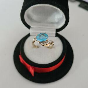 Beautiful 9ct Yellow Gold Swiss Blue Topaz & Diamond Ring