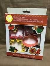 Wilton Autumn Time 7 piece Cookie Cutter Set Leaf sunflower acorns Fall NEW