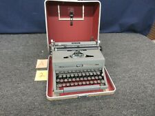 Royal Quiet De Luxe Portable Manual Typewriter Vintage Carry Case