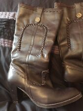Fiore Dark Brown Leather Boots. Size 5. VGC. Some Wear to Soles.